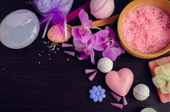 SPA και wellness που θέτουν με το φυσικό σαπούνι Στοκ φωτογραφία με δικαίωμα ελεύθερης χρήσης