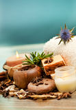 SPA begrepp: handgjord tvål med kaffebönor, kanel och anis Fotografering för Bildbyråer