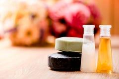Spa begrepp med extraktolja, naturlig tvål fotografering för bildbyråer