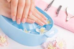 Spa behandling och produkt för kvinnlig handbrunnsort Royaltyfria Foton