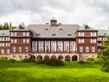Spa hus Libuse i Karlova Studanka brunnsortsemesterort, Hruby Jesenik, Tjeckien Royaltyfria Foton