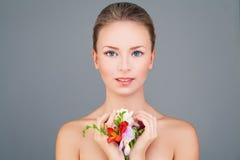 Spa modellWoSpa Woman Fashion modell med sund hud royaltyfria bilder