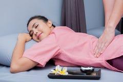 Spa och thai massage arkivbilder