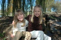 Spaß-Schwestern Lizenzfreies Stockfoto