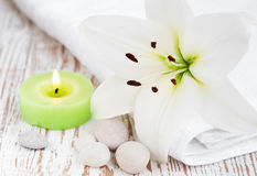 Free Spa Set With Lily Royalty Free Stock Photography - 32455997