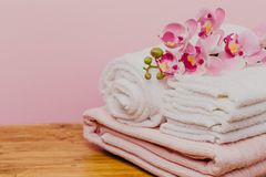 Spa still life with orchid flower and towels - Image stock photos