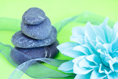 Spa stones & flowers, wellness/beauty care Royalty Free Stock Photos