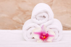 Spa towels with orchid Royalty Free Stock Photography