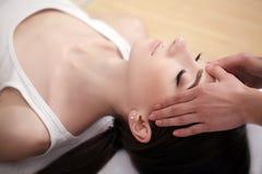Spa vänder mot massage Ansikts- behandling Spa salong terapi arkivbilder
