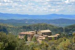Spaans oud klooster in de heuvels van Navarra Royalty-vrije Stock Afbeeldingen