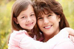 Spaanse grootmoeder en kleindochter Royalty-vrije Stock Foto