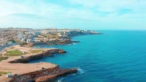 Spaanse kustlijn, Alicante een stad in de gemeenschap van Valencia en de provincie van Costa Blanca Alicante Spanje Europa stock video