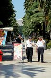 Spaanse mensen langs promenade, Malaga. Stock Foto's