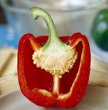 Spaanse peper die in de helft wordt gesneden Royalty-vrije Stock Fotografie