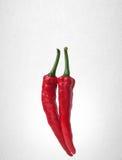 Spaanse peper of Roodgloeiende Spaanse peperpeper op achtergrond Royalty-vrije Stock Foto's