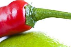 Spaanse pepers & Citroen Royalty-vrije Stock Foto's