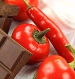 Spaanse pepers en Chocolade Royalty-vrije Stock Fotografie