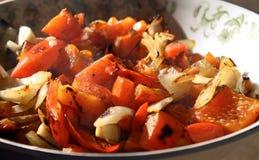 Spaanse pepers en uien Stock Foto's