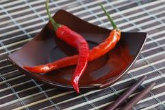 Spaanse pepers op plaat Stock Foto