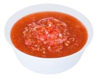 Spaanse pepersaus in witte plaat Royalty-vrije Stock Fotografie