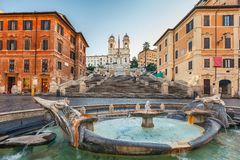 Spaanse Stappen bij ochtend, Rome Stock Afbeeldingen