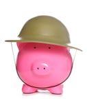 Spaarvarken die legerhoed dragen Royalty-vrije Stock Afbeeldingen