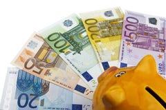 Spaarvarken en Euro (EUR) Royalty-vrije Stock Foto's