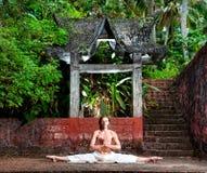 Spaccatura del piedino di yoga Fotografia Stock Libera da Diritti