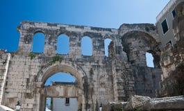 Spaccatura. Palazzo del Diocletian Immagini Stock