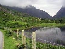 Spacco di dunloe, dell'Irlanda, del lago e delle montagne Immagini Stock Libere da Diritti