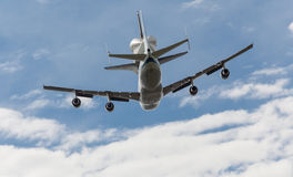Space Shuttle Discovery flies over Washington Royalty Free Stock Image