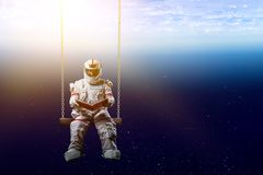 Spaceman και το αφηρημένο θέμα πλανήτη Γη στοκ φωτογραφίες