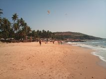 Spacer na Anjuna plaży goa obraz stock