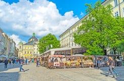 Spacer w Lvov centrum miasta Obraz Royalty Free