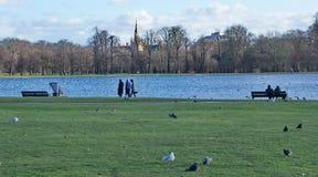 Spacer w Notting wzgórza parku zdjęcia royalty free