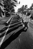 spacer w ulicie Obrazy Royalty Free