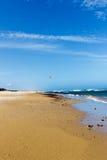 spacer wzdłuż seashore Zdjęcia Stock