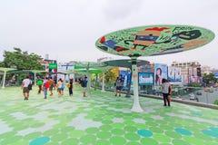 Spaceru sposobu nowy projekt przed MBK centrum zakupy centrum handlowym w Bangkok Zdjęcia Stock