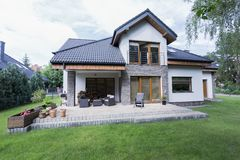 Free Spacious Garden And Terrace At House Royalty Free Stock Image - 93435196