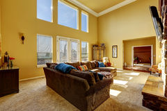Spacious living room with high ceiling Stock Photography