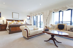 Spacious master bedroom Royalty Free Stock Photography