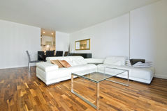 Spacious and modern open plan living area Royalty Free Stock Photos