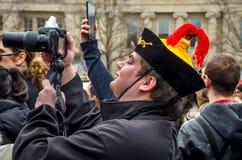 Spactator alla parata cinese del nuovo anno fotografia stock libera da diritti