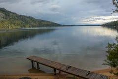 Spadać liść Jeziorny Pobliski Jeziorny Tahoe fotografia stock