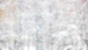 Spada śnieg na zamazanym tle obrazy royalty free
