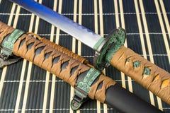 Spada del samurai Armi giapponesi medievali Immagine Stock