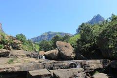 Spada kaskadą siklawę w Królewskim Natal parku narodowym, Południowa Afryka Obrazy Stock