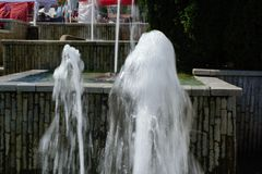 Spada woda w jeden momencie fotografia stock
