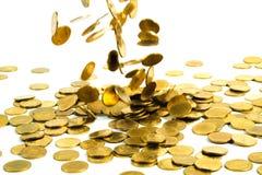 Spada złocistych monet pieniądze odizolowywający na białym tle, busin Obrazy Stock