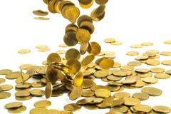 Spada złocistych monet pieniądze odizolowywający na białym tle, busin Fotografia Stock
